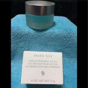 Mary Kay Indulgence Soothing Eye Gel